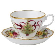 Royal Albert Old Country Roses Christmas Tree Teacup & Saucer